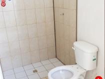debursa-inmobiliaria-portal-del-llano-casa-bano